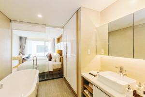 Zen Diamond Suites Hotel, Hotels  Da Nang - big - 9