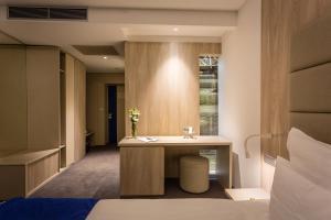 Hotel Colors Inn - фото 9