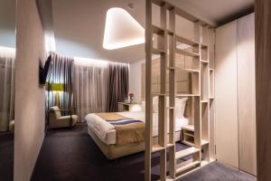 Hotel Colors Inn - фото 2