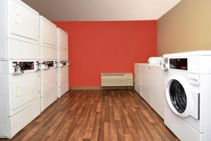 Extended Stay America - Washington, D.C. - Chantilly - Airport, Apartmánové hotely  Chantilly - big - 19