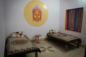 Ganges Nirvana Community & Home Stay, Hostels  Varanasi - big - 34