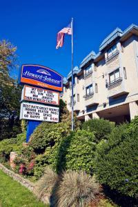 Howard Johnson Hotel - Victoria, Отели  Виктория - big - 24
