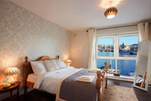 Luxury City Center House - Best Location-4 bed, Apartments  Galway - big - 3