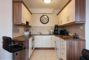 Luxury City Center House - Best Location-4 bed, Apartments  Galway - big - 26