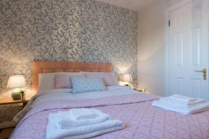 Luxury City Center House - Best Location-4 bed, Apartments  Galway - big - 13