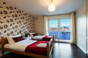 Luxury City Center House - Best Location-4 bed, Apartments  Galway - big - 11