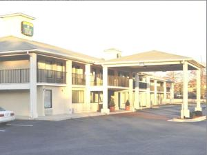 Nearby hotel : America's Best Inn & Suites - Decatur