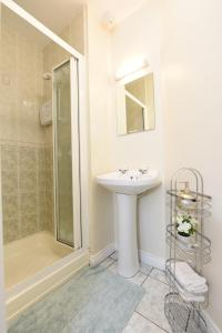 Luxury City Center House - Best Location-4 bed, Apartments  Galway - big - 29