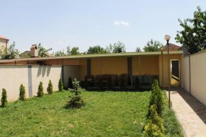 AA6002, Vily  Yerevan - big - 2
