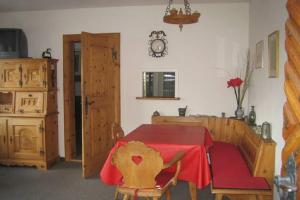 Cozy Apartment In The Swiss Alps, Apartmanok  Pontresina - big - 5