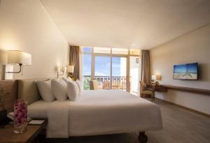 Centara Sandy Beach Resort Danang, Курортные отели  Дананг - big - 22