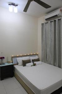 Apartment with Balcony - Guestroom Casa Indah 2