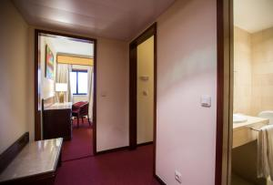 Hotel Miracorgo, Hotely  Vila Real - big - 28