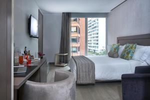 Discount 100 Luxury Suites