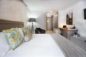 100 Luxury Suites Reviews