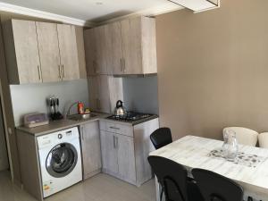 Apartment Aghmashenebeli 3, Апартаменты  Бакуриани - big - 2