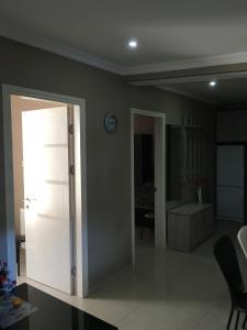 Apartment Aghmashenebeli 3, Апартаменты  Бакуриани - big - 8