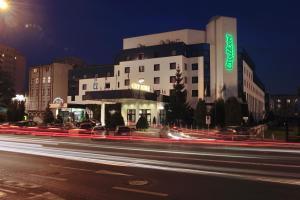 (City Hotel)