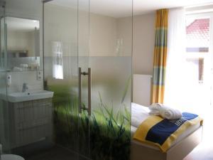 Seehotel OFF, Hotely  Meersburg - big - 11