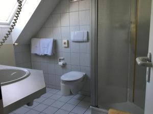 Seehotel OFF, Hotely  Meersburg - big - 15
