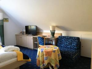 Seehotel OFF, Hotely  Meersburg - big - 16