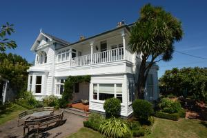 Glen Almond House