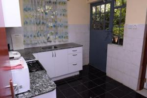 Emirates Villa, Apartmanok  Nairobi - big - 3