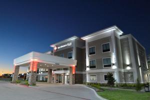 Best Western Plus Bay City Inn and Suites