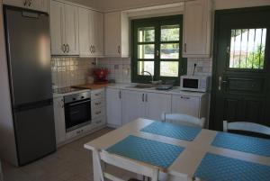 Villa Tati, Дома для отпуска  Kastós - big - 59