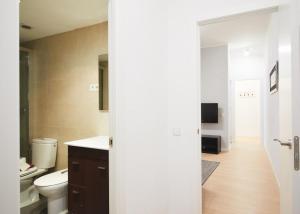 Alcam Valencia II, Apartmány  Barcelona - big - 14