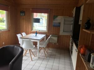 Regenbogen Ferienanlage - skandinavisches Ferienhaus - [#69255], Holiday homes  Boltenhagen - big - 5