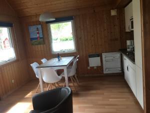 Regenbogen Ferienanlage - skandinavisches Ferienhaus - [#69254], Holiday homes  Boltenhagen - big - 6