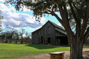 Wine Country Farmhouse, Apartmány  Fredericksburg - big - 8