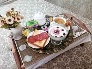 Kon-Tiki Boutique Hotel, Bed & Breakfasts  Sankt Petersburg - big - 75