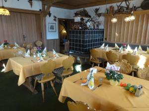 Gasthof & Hotel Goldene Krone, Hotel  Iphofen - big - 24
