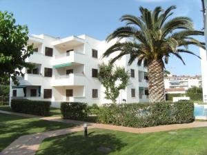 Apartamento Cala Montgo 11, Apartments  L'Escala - big - 20