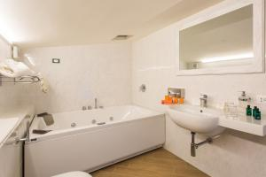 Marina Holiday & Spa, Hotely  Balestrate - big - 26
