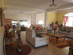 Chateau Bamboo, Privatzimmer  Gros Islet - big - 21