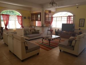 Chateau Bamboo, Privatzimmer  Gros Islet - big - 17