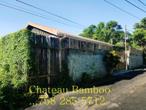 Chateau Bamboo, Privatzimmer  Gros Islet - big - 1