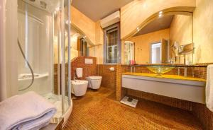 Hotel Waldorf- Premier Resort, Hotely  Milano Marittima - big - 56