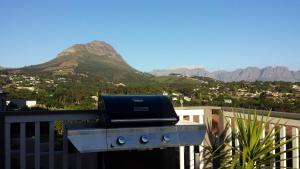 29 Carissa Street, Apartmány  Somerset West - big - 8