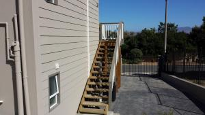 29 Carissa Street, Apartmány  Somerset West - big - 11