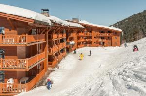Pierre & Vacances Premium Les Alpages de Chantel, Aparthotely  Arc 1800 - big - 58