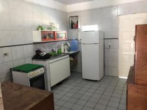 Casa confortável a 50 m do mar em Barra Grande, Дома для отпуска  Maragogi - big - 4