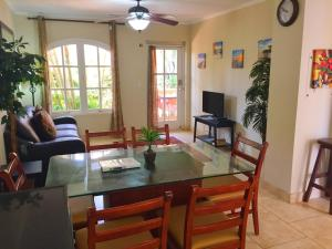 Wacamaya 6B, Apartmanok  Palm-Eagle Beach - big - 4