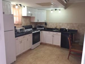 Wacamaya 6B, Apartmanok  Palm-Eagle Beach - big - 14