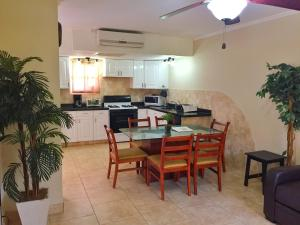 Wacamaya 6B, Apartmanok  Palm-Eagle Beach - big - 17