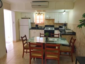 Wacamaya 6B, Apartmanok  Palm-Eagle Beach - big - 8