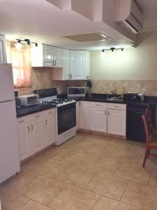 Wacamaya 6B, Apartmanok  Palm-Eagle Beach - big - 7